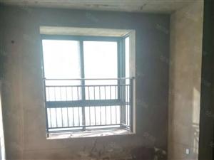 水岸名家电梯房三室两厅两位136平方53万
