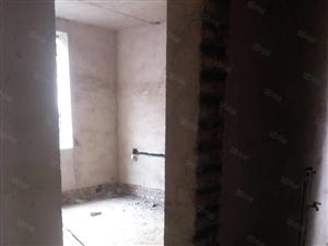 开福旁住房六楼四室,面积140平方,有证可按揭首付八万