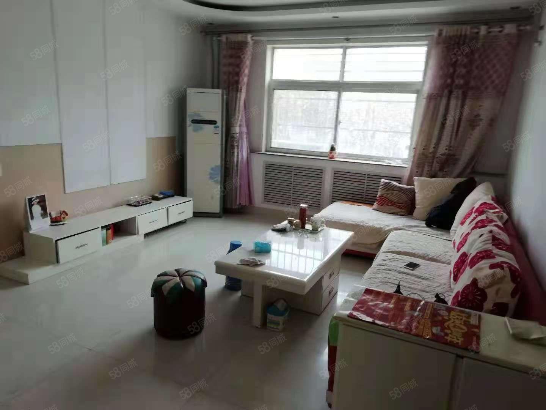 一棉小区滨医附近多层1楼115平3室简装家具齐全领包入住