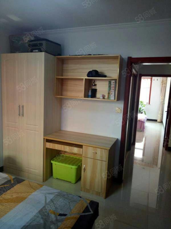 棚户区四方嘉园84平米精装修500一个月