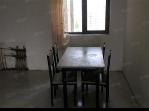 出租南坊广州路爱伦坡4室2厅2卫简装双气停车免费