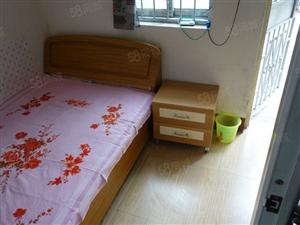 沿河公园南段平房1室1卫空调太阳能暖气宽带床干净