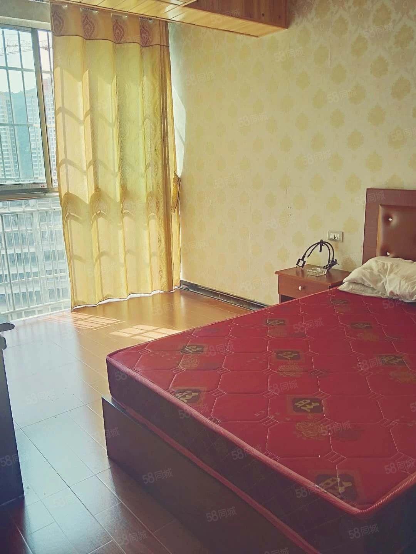 火车站电梯16楼公寓房1000块钱一个月