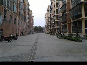熊首山附近新房三楼三室两厅,毛坯