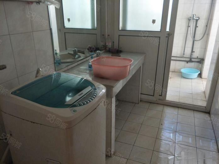 北苑3楼带全套家具洗衣机环境优美停车方便