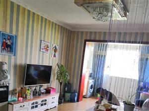 博亿地产品质小区,精装三房带家具家电,户型端正可按揭