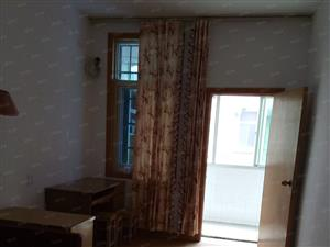 荆公路十字街3室2厅1卫中等张修650元