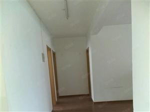新辉家园4楼简装修证过两年有储藏室