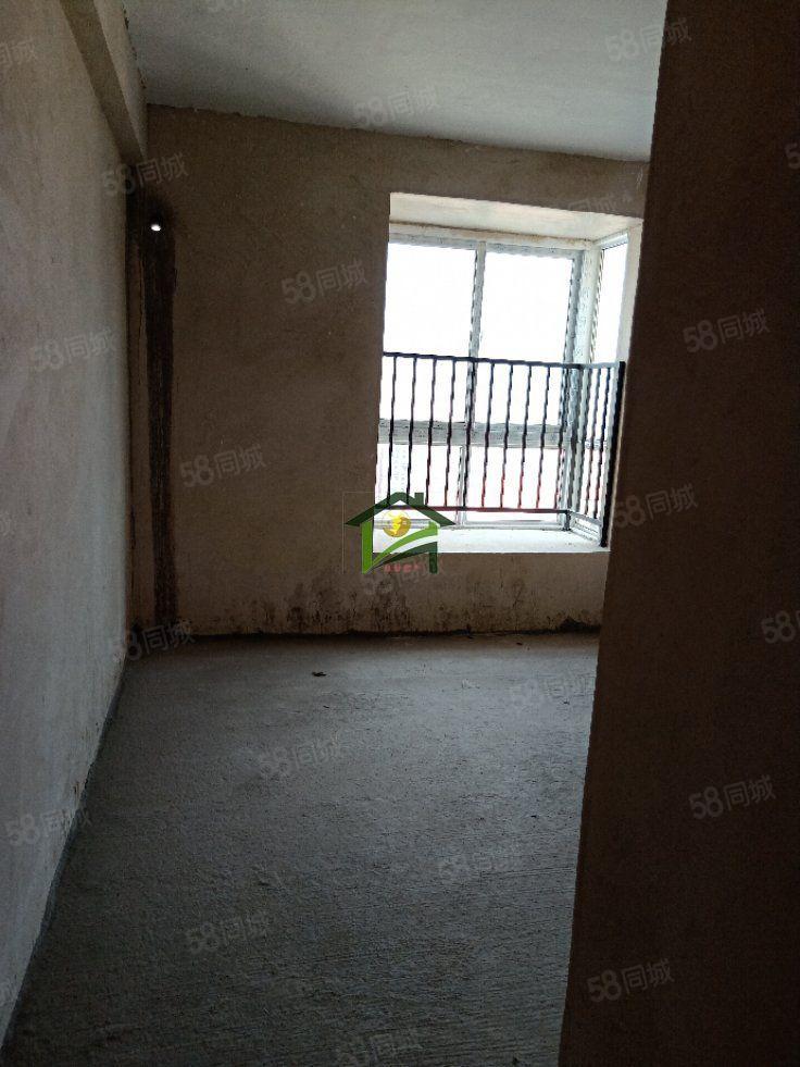 阳光山庄附近中心地段出售,可贷款,