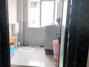 铅山滨江花城三房两厅两卫装修带家具家电出售