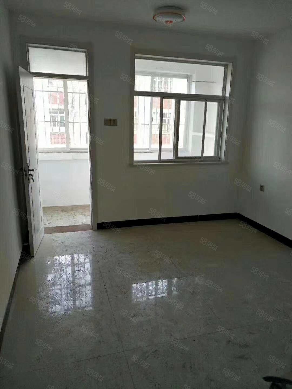 金都花园空房126平三室两厅有暖气储藏室适合搬迁的居住