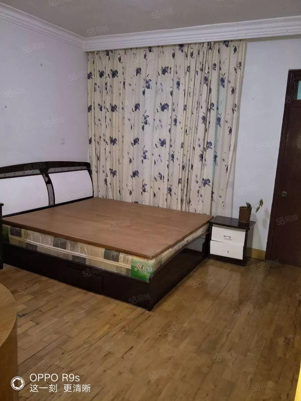 大润发附近中间楼层国安公寓2室2厅1卫1阳90平方套房出租
