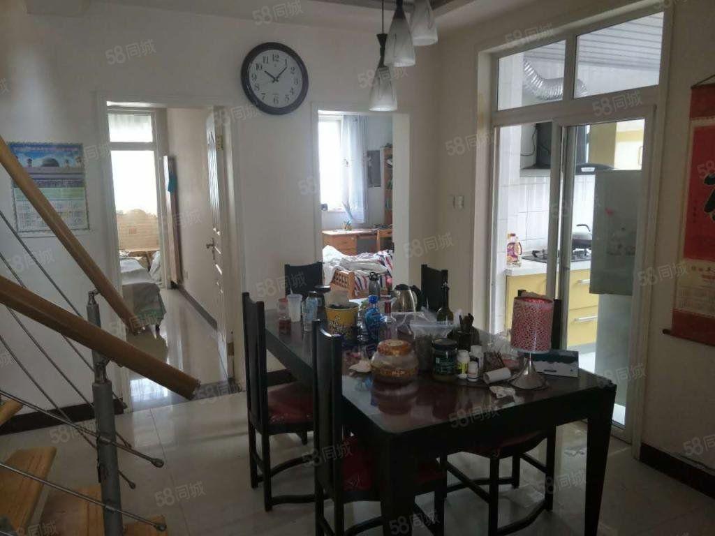 均价不过万!看房超方便旋转楼梯大五房!花鸟鱼,茶酒歌的生活