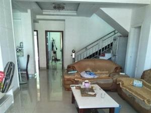 金瓯明珠复式楼4房2厅117平方精装修90万。