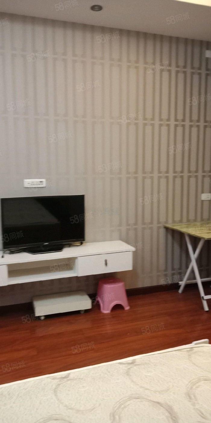 黄金水岸1室1厅1卫
