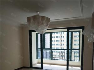 恒大绿洲电梯9楼142平米82万精装未住