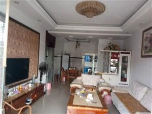 泸县凤凰居附近3室2厅2卫精装住房出售!