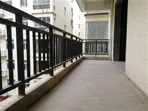 葛店绿茵小镇68平米两室两厅32万包拿证送超大阳台