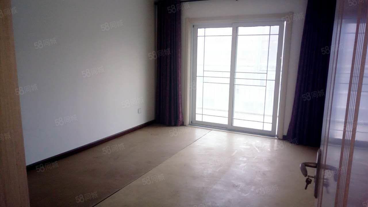 金海燕6+7复式楼,精装修,159平方,54万,证.件齐全