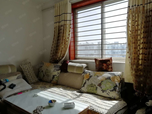 苏北路玉兰花园三室家具家电齐全,拎包入住,随时看房。