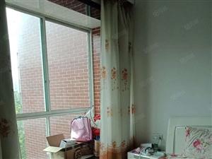原野市场三楼三室两厅两卫家具家电齐全住房出租