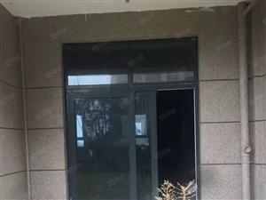 出售碧桂园一楼带院4房2厅2卫,带拐角院子300平,看房方便