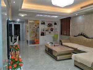 鸿福豪门、大三房、电梯中高层、豪华装修、设备齐全、拎包入住