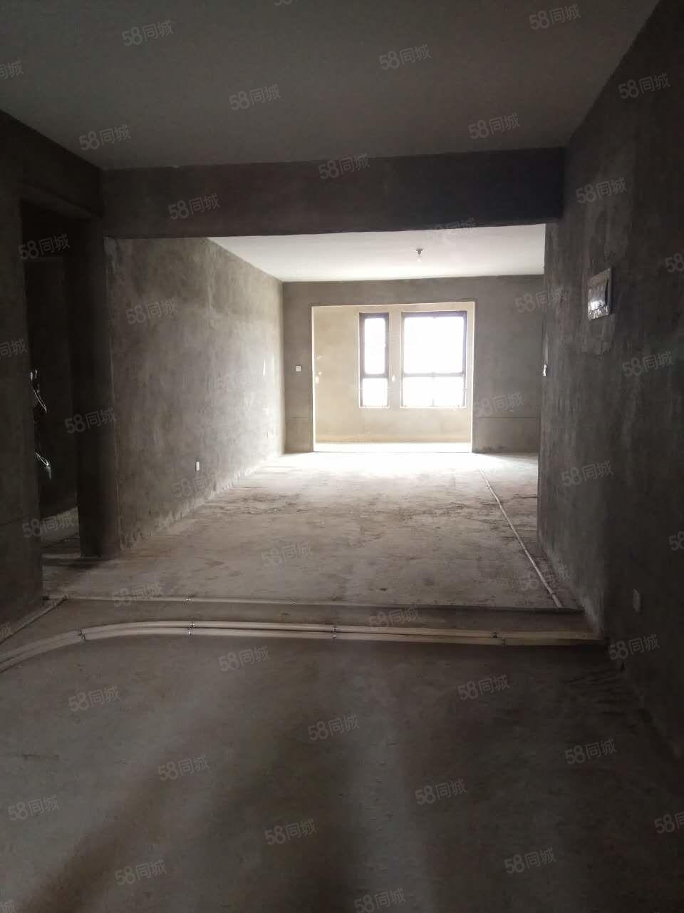 卫生小区电梯洋房送车位地下室直接网签毛坯现房