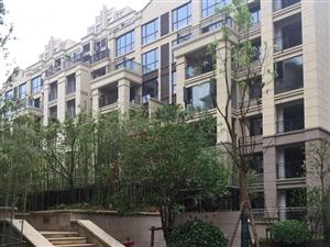 莲花湖一号,刚刚交房的一期,电梯9楼,优户型,诚售57万!