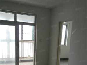 凤凰城A区,5楼2室1厅105平方,家具700元