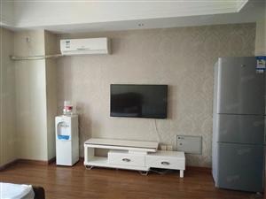 万达公寓精装液晶电视空调冰箱洗衣机家具全新1600有钥匙现房