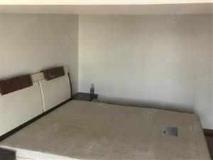 锦港嘉园单身公寓跃层使用面积大精装修家电家具齐全