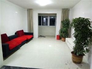 四季花城,3室2厅,家具家电齐全,1600/月,随时入住