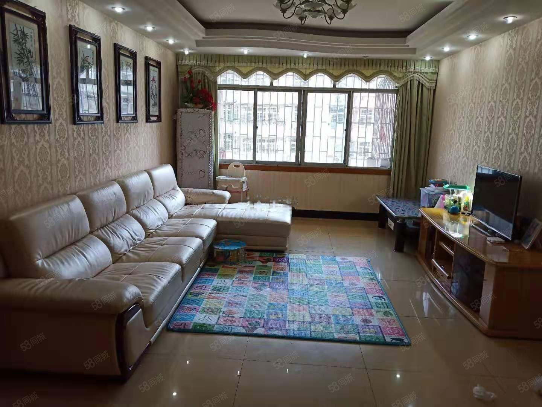 东城小区(武昌大道)4室2厅2卫