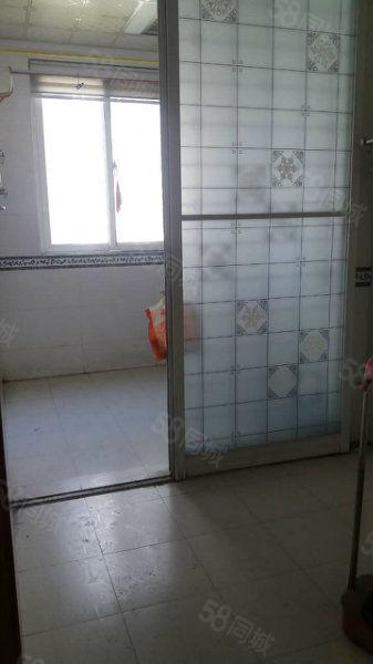 亚太明珠,大三房,2房的价位3房的面积,地板砖装修,办公手选