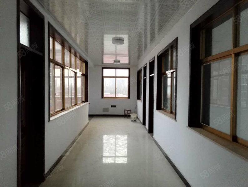 光山三环路人民医院项目部旁四层整体对外出租可办公可住!