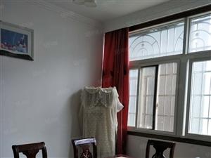新街口附近精装修4室2厅家电齐全宁包可住,随时看房