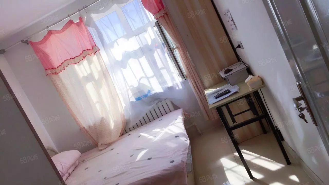 红瑞地产东方红龙建小区,温馨一居室,图片真实,屋子嘎嘎板正!