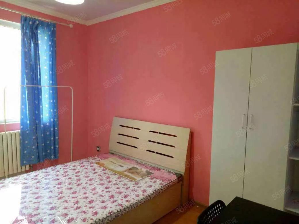 青柠公寓正商东方港湾精装一室家电齐全押一付一随时看房
