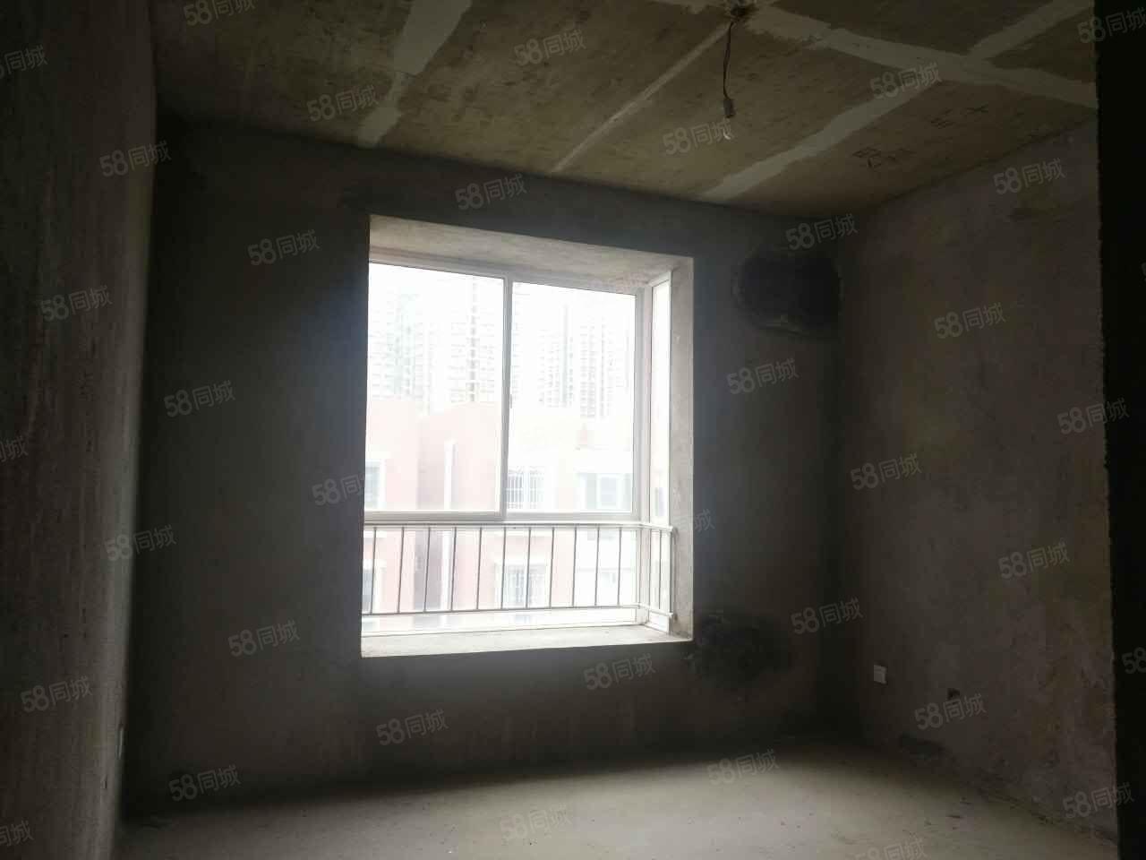 蒙自华泰盛景毛坯3室给你更多的装修空间