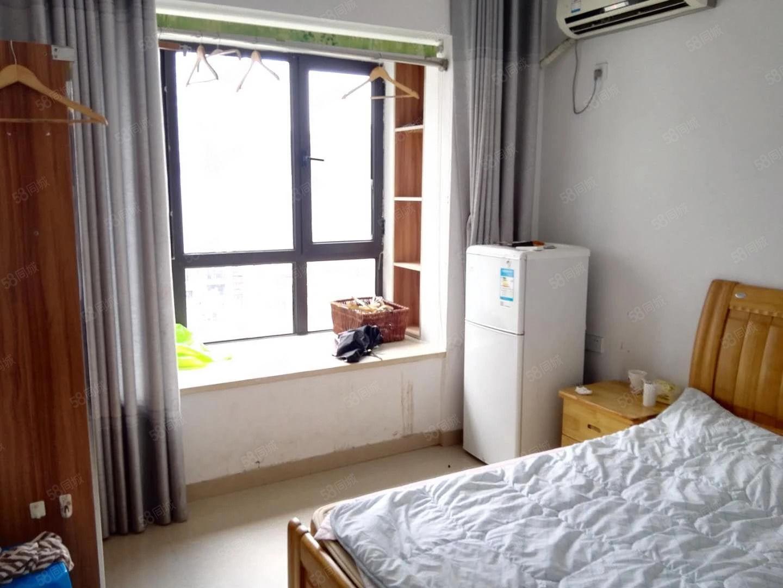 出租万达华城单身公寓多套租金900到1200