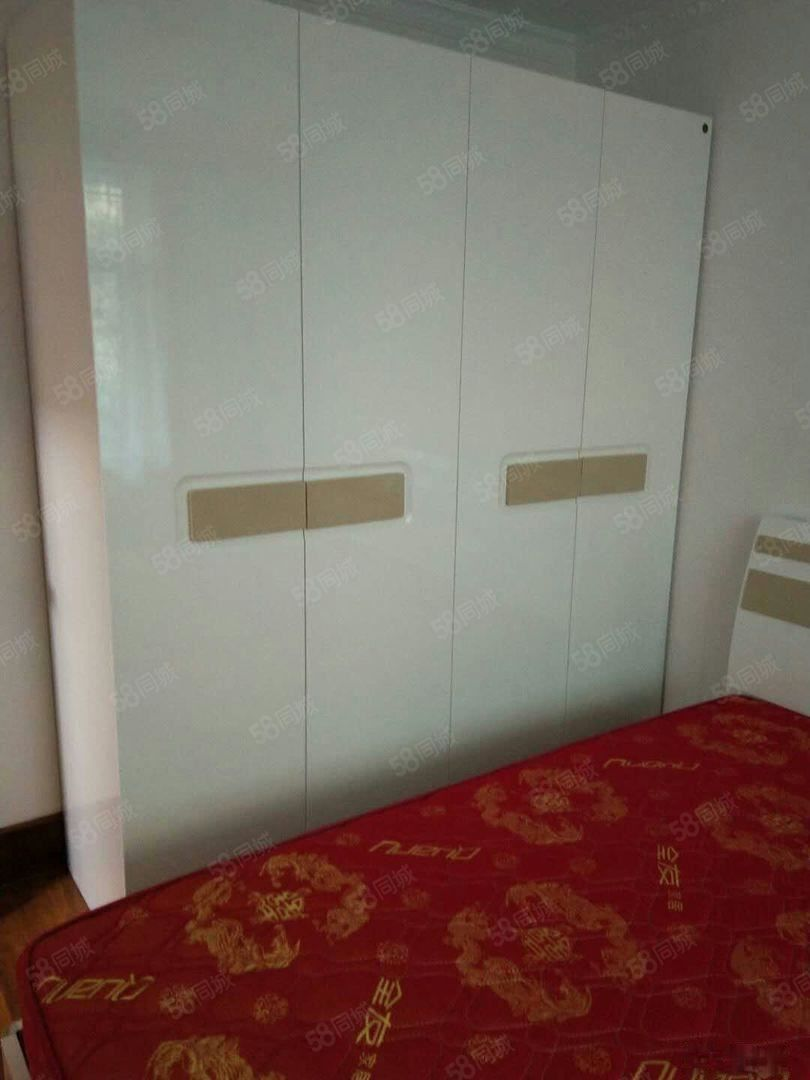 烟厂E区新装修带全新家具一楼精装三室好房澳门金沙平台