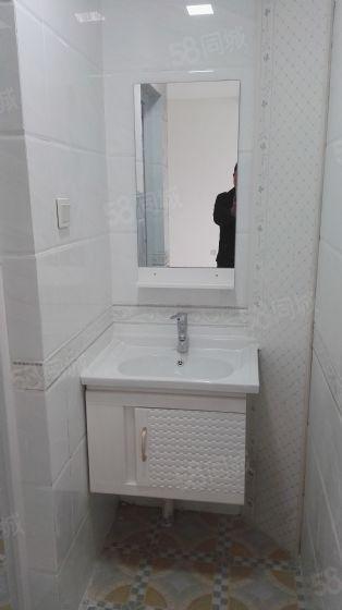 出租:明仁小区新装4楼2室空调、燃气热水器