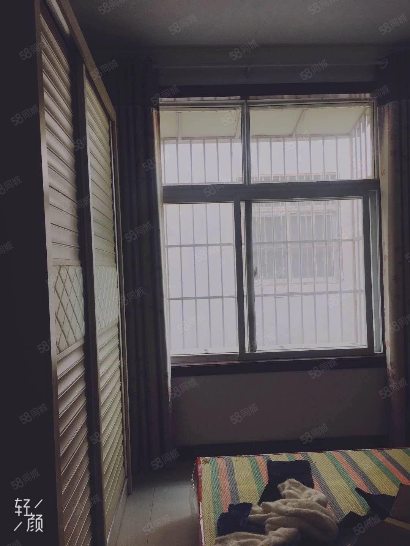 中医院芙蓉街附近套房出租有小院4房家具