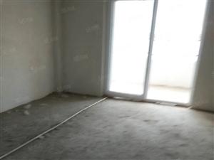 冠亚F区毛坯电梯房,楼层好位置好。