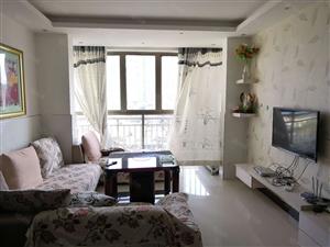 锦绣新村中层三室两厅精装房出租,家具家电齐全,拎包入住。