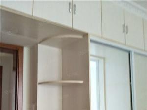 光武西路麒麟首府小区128平三室家带家具看房方方便
