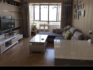 白云广场精装一房一厅出租月租1600