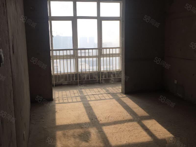 文林路日月星城斜对面文景苑三室电梯毛坯出售一把付