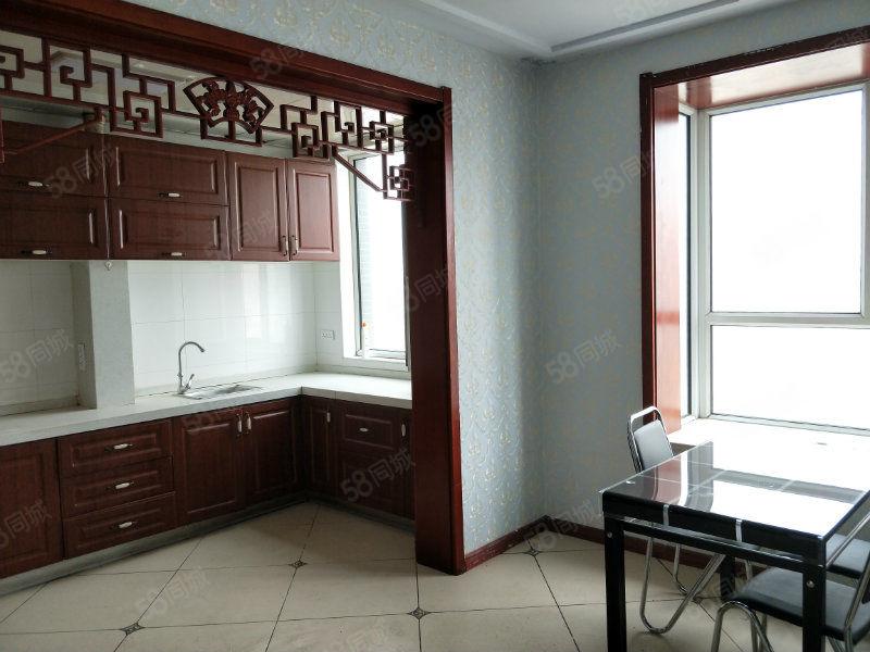 开莱社区三居室精装修南北通透看房方便